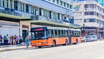 Cuba Havana public transportation city bus | FinnsAway Travel Blog