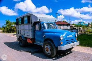 Cuba_Vinales_PuertoEsperanza_camion