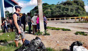 Cuba transportation | waiting for collectivo in Pinar del Rio
