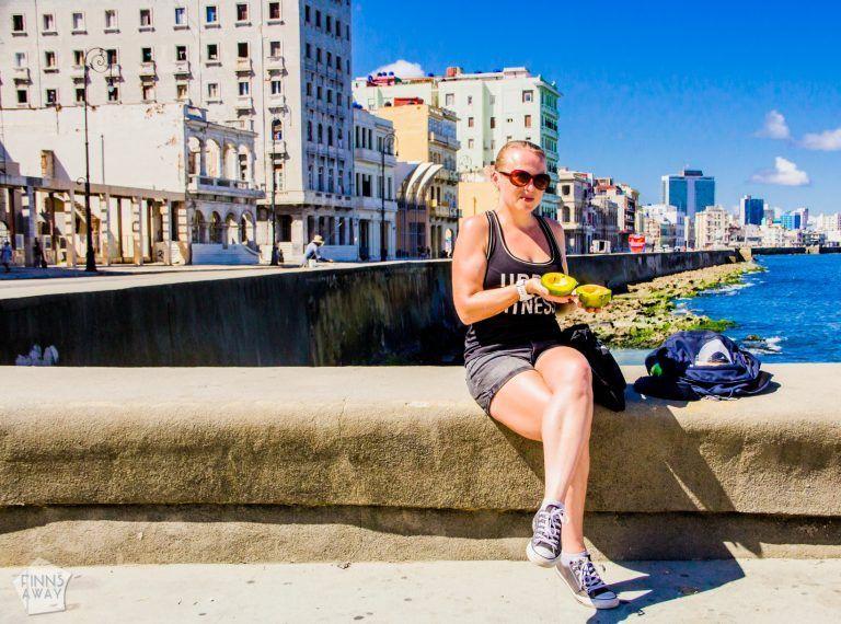 Breakfast in Malecon | Pictures from Havana | FinnsAway Travel Blog