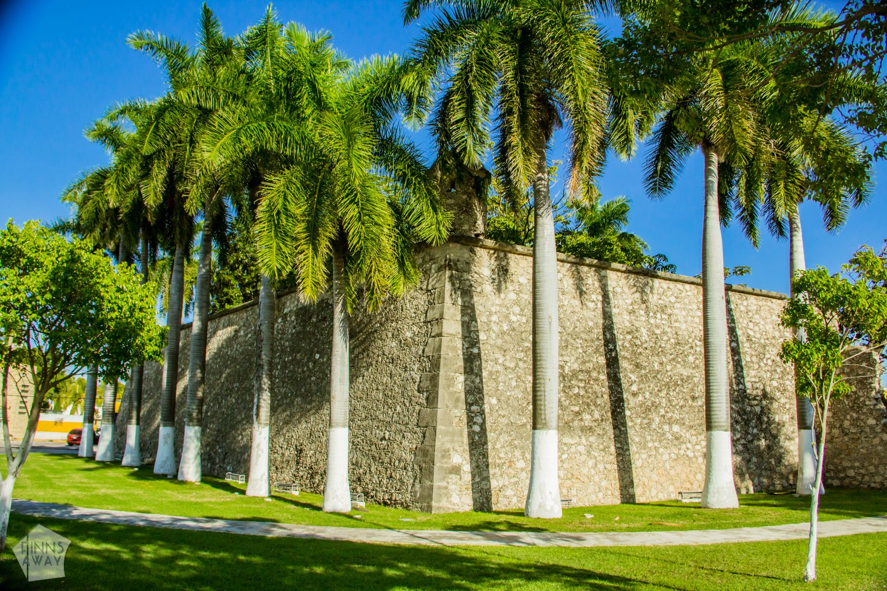 Botanical Garden in a bastion | Campeche in Yucatan Peninsula, Mexico, is famous for a walled historical center with colonial architecture | FinnsAway Travel Blog