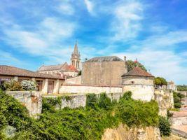 Bourg Citadel | FinnsAway Travel Blog