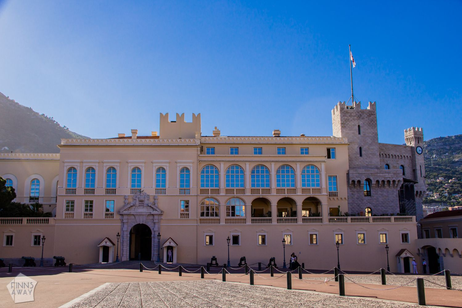 Palace of Monaco | Introducing the tiny, wealthy and luxurious Monaco in French Riviera. | FinnsAway Travel Blog