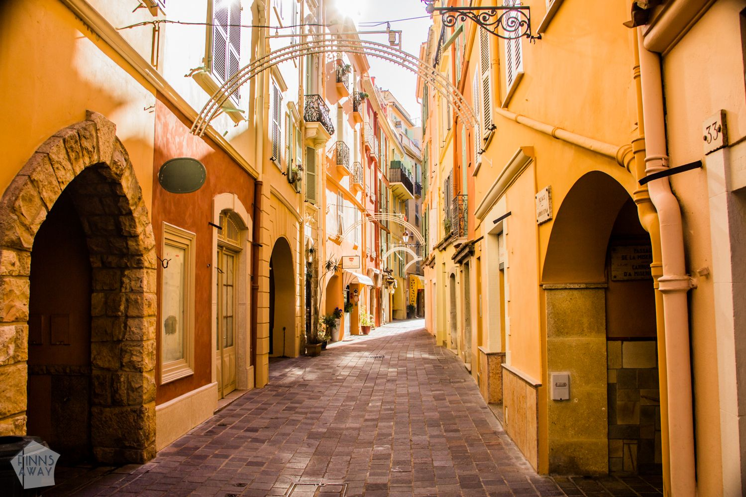 Alley in Monaco-Vile | Introducing the tiny, wealthy and luxurious Monaco in French Riviera. | FinnsAway Travel Blog