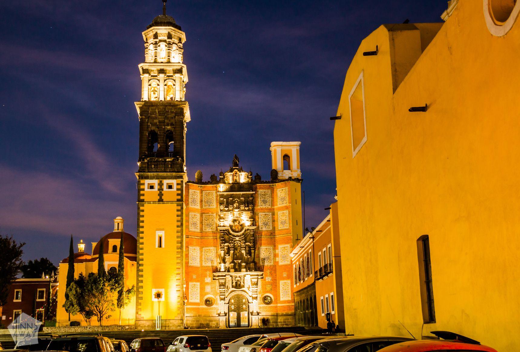 Templo de San Francisco in Puebla at night | Mexico: Colonial city of Puebla and neighboring Cholula | FinnsAway Travel Blog