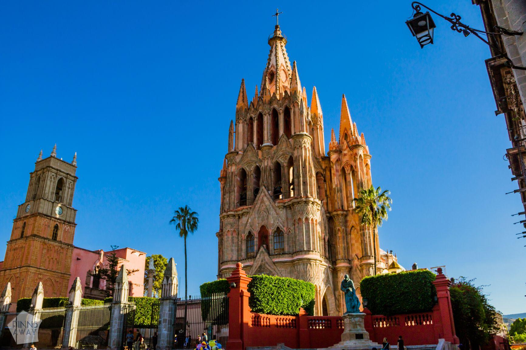Church of Saint Michael the Archangel, San Miguel de Allende | FinnsAway Travel Blog