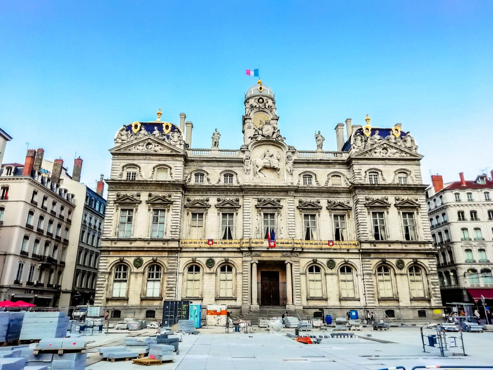 Lyon City Hall | Short travel guide to Lyon, France | FinnsAway Travel Blog