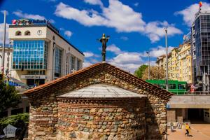 Church of St Petka of the Saddlers | City guide to Sofia | FinnsAway Travel Blog