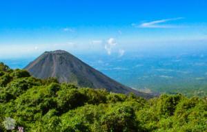 Izalvo volcano | Hiking Santa Ana Volcano in El Salvador | FinnsAway Travel Blog