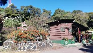 Cerro Verde visitor center | Hiking Santa Ana Volcano in El Salvador | FinnsAway Travel Blog