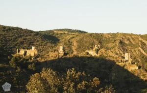 Lastours Camping, Chateaux de Lastours castle ruins   FinnsAway Travel Blog