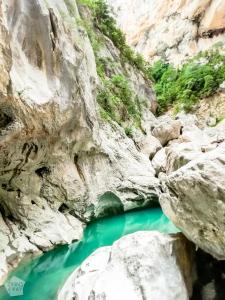 Hiking Imbut and Vidal trails in magnificent Verdon Gorge in Provence, France. | FinnsAway Travel Blog