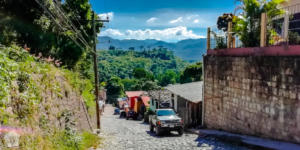 Travel guide to Copan Mayan ruins and the town of Copan Ruinas in Honduras | FinnsAway Travel Blog