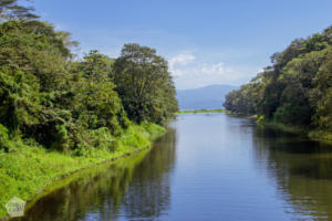 Lago de Yojoa Lake, Honduras | FinnsAway Travel Blog